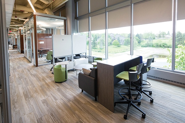 One of the collaborative spaces within the faculty suite for informal meetings and discussions as well as faculty review of clinical cases.
